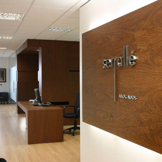 Serrall abogados sevilla sevilla espa a oficinas for Oficinas de abogados modernas