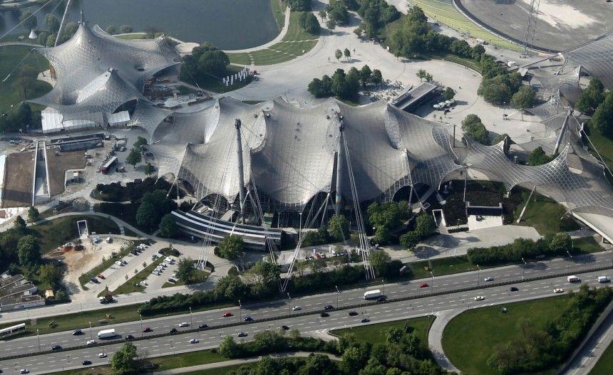 Schaden an der Dachkonstruktion Olympiahalle gesperrt