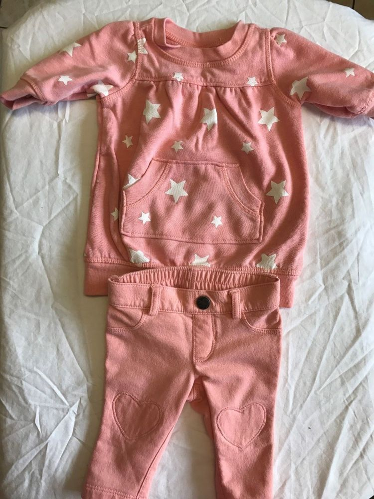 Old Navy Coral Heart and stars Sweat Suit 0-3 months #OldNavy #SweatSuit