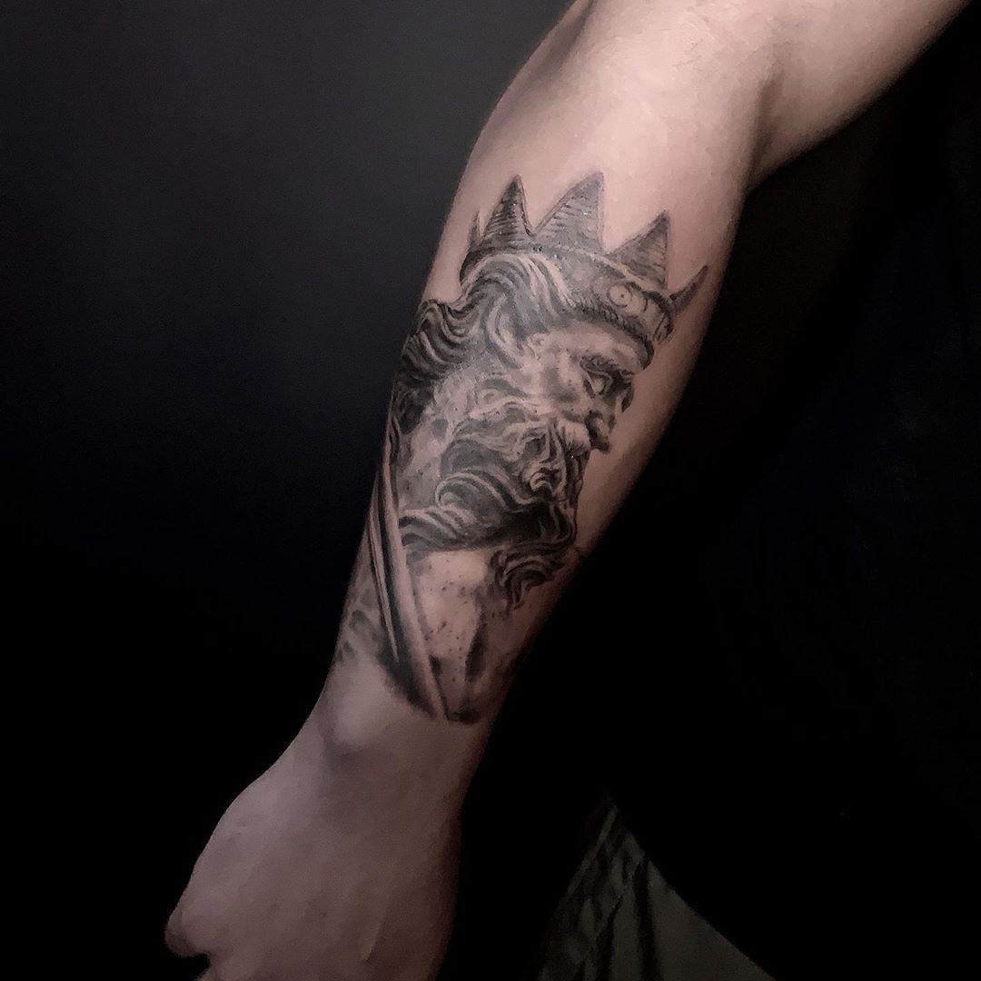 King of the Ocean 🌊 #tattoo #tattoos #realisticart #realisticdrawing #realistictattoo #realism #realismtattoo #blackandgreytattoo #art #fun #miamitattooartist #miami #ocean #oceanview #surf #jcarana #jcaranaart #warmgrays