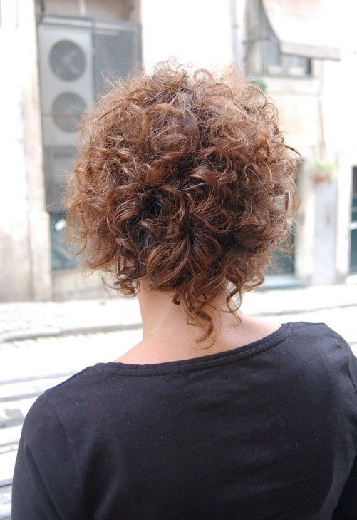 feminine and seductive soft curly bob | curly bob hairstyles