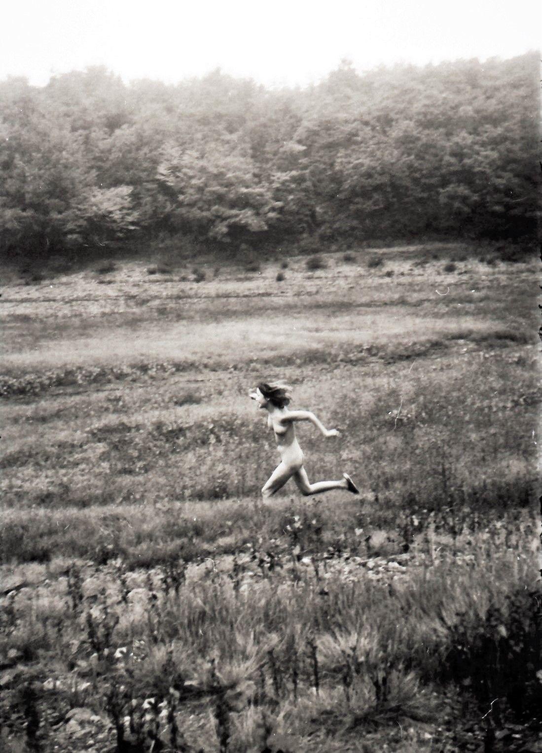 山本悍右 Kansuke Yamamoto, 1974 ©Toshio Yamamoto.