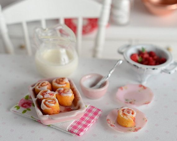 RESERVED-Miniature Strawberry Cinnamon Roll Set #strawberrycinnamonrolls