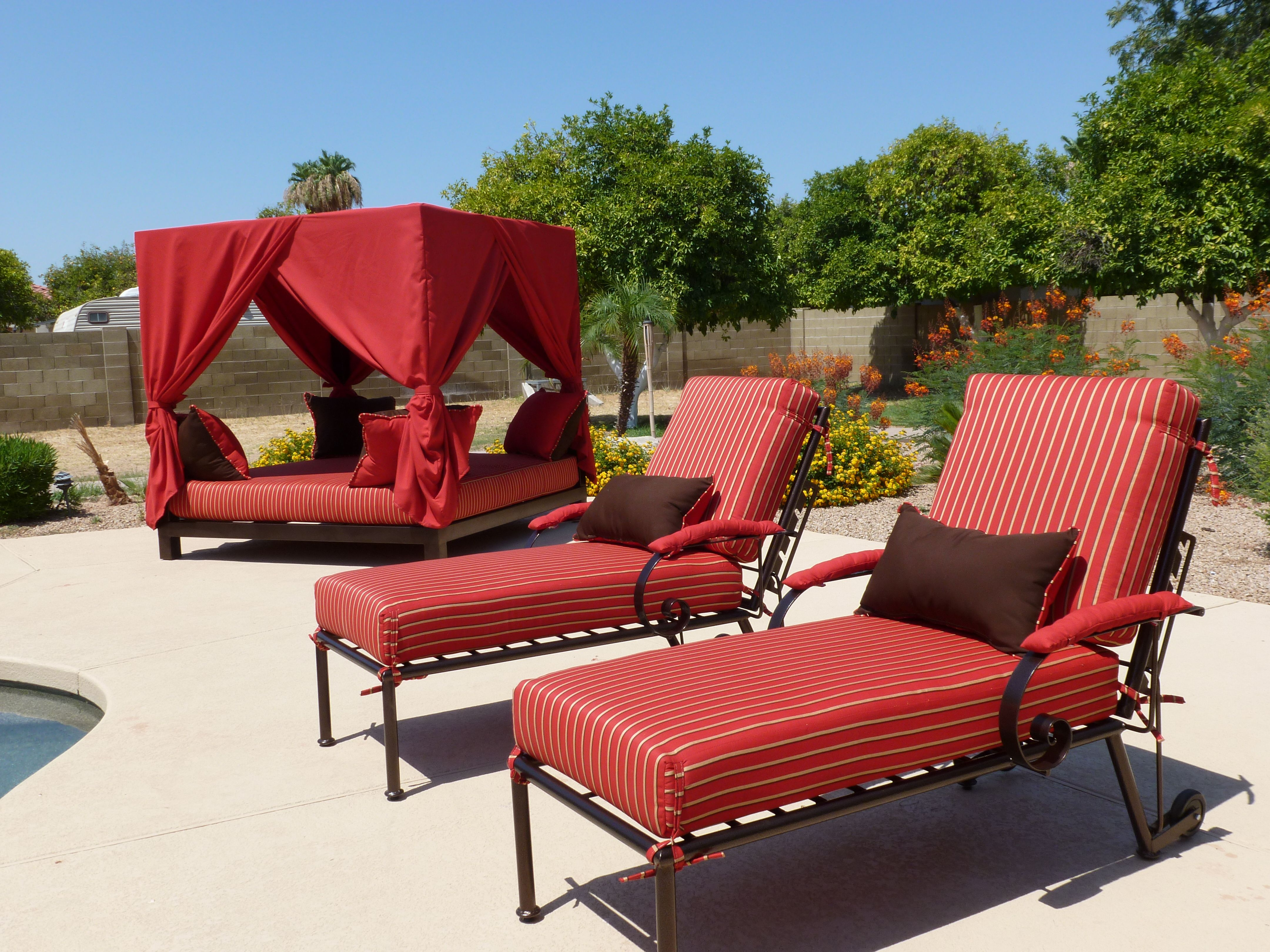 Where can one cheap outdoor patio furniture
