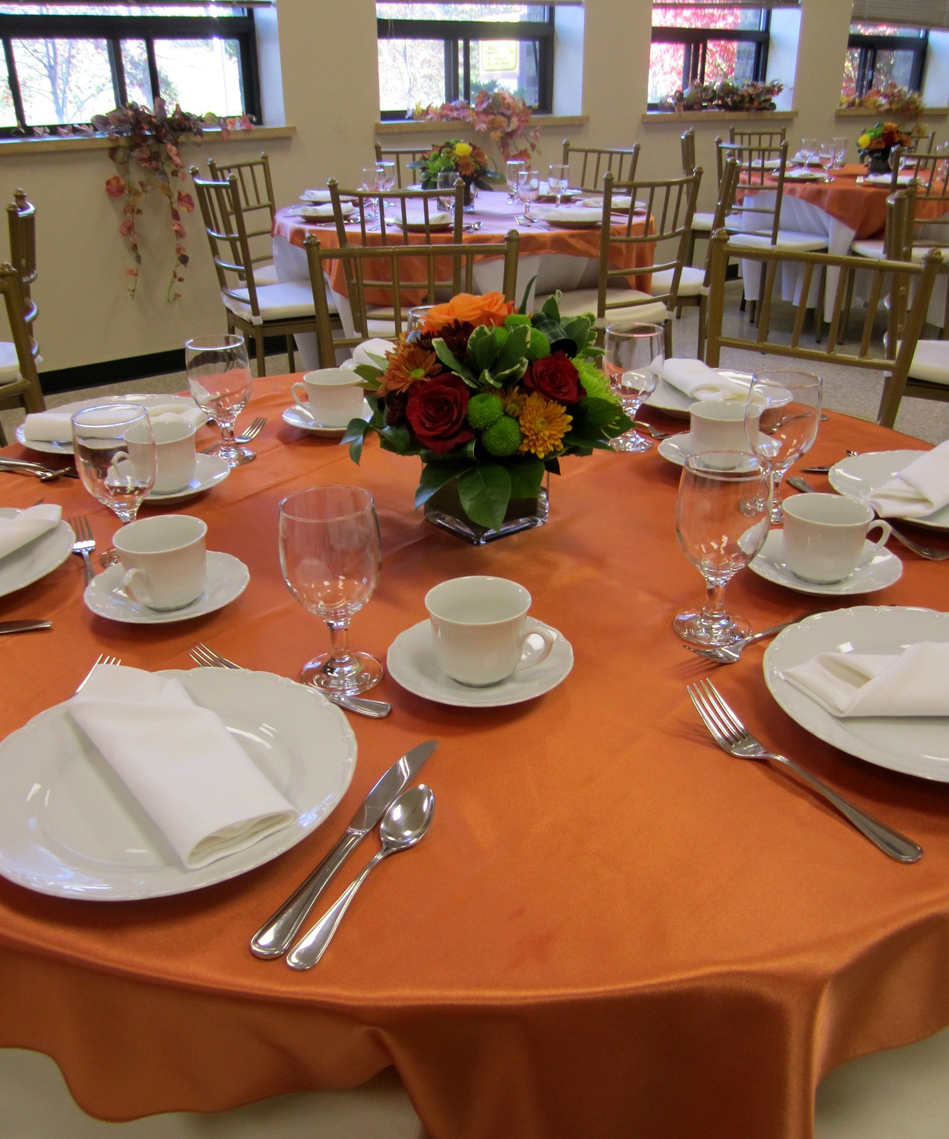 Simple Fall Centerpieces And Decor For An 85th Birthday Party Design By Davis Floral Creations
