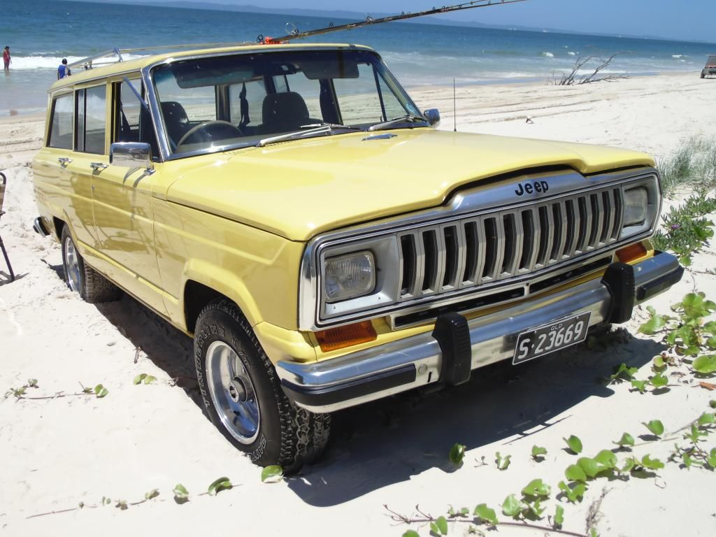 Yellow Wag from Queensland Australia Vintage jeep, Jeep