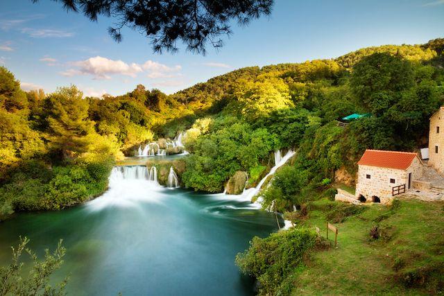 クロアチア クルカ国立公園 【泳げる穴場絶景】ヨーロッパ一美しい滝で泳いでみませんか? | TABIZINE