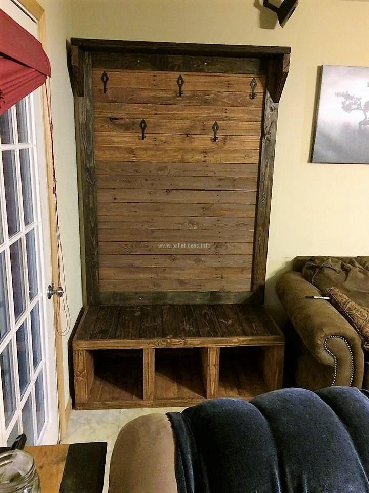 If anyone wants something to fulfill the hanging or storage need, then it's time to create the stylish hallway tree with the already available upcycled wood pallets for free because it is not always necessary to invest a huge amount of money to fulfill a requirement.