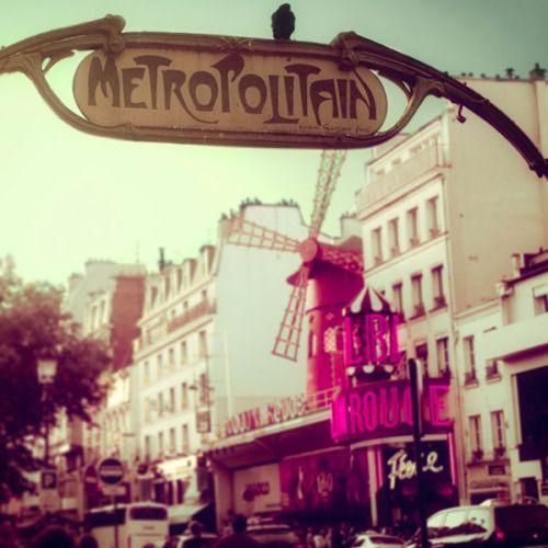 Moulin Rouge  (via Françoise Rachez: Photographie | La Belle France)