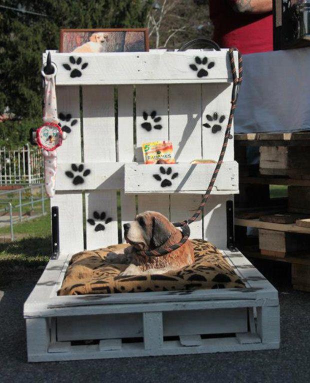 Cuccia fai da te 7 idee per costruire una cuccia per cani for Costruire cuccia per cani