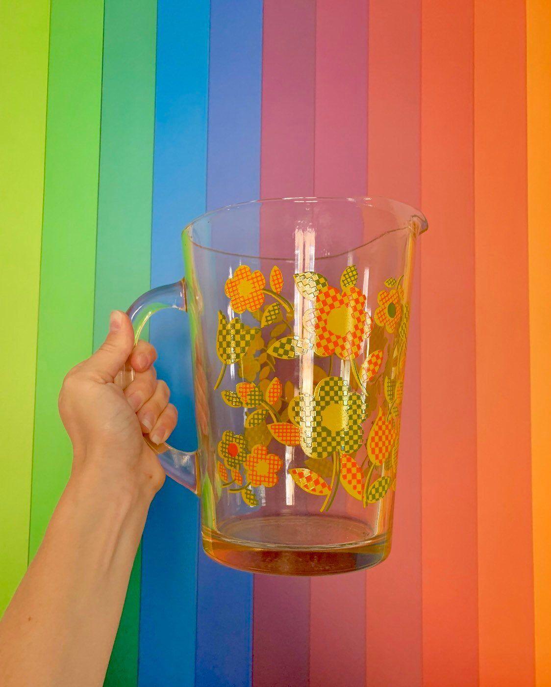 Mod 1960er Jahre Flower Power Glas Krug / / Vintage 60er Jahre 70er Jahre ICONIC Saft Tumbler Geschirr retro kitschig dienen Verschleiß Wohnkultur Getränk Ware, #1960er #60er #70er #dienen #Drink-wareandGifts #Flower #Geschirr #Getränk #Glas #ICONIC #Jahre #kitschig #Krug #Mod #Power #Retro #Saft #Tumbler #Verschleiß #Vintage #ware #Wohnkultur