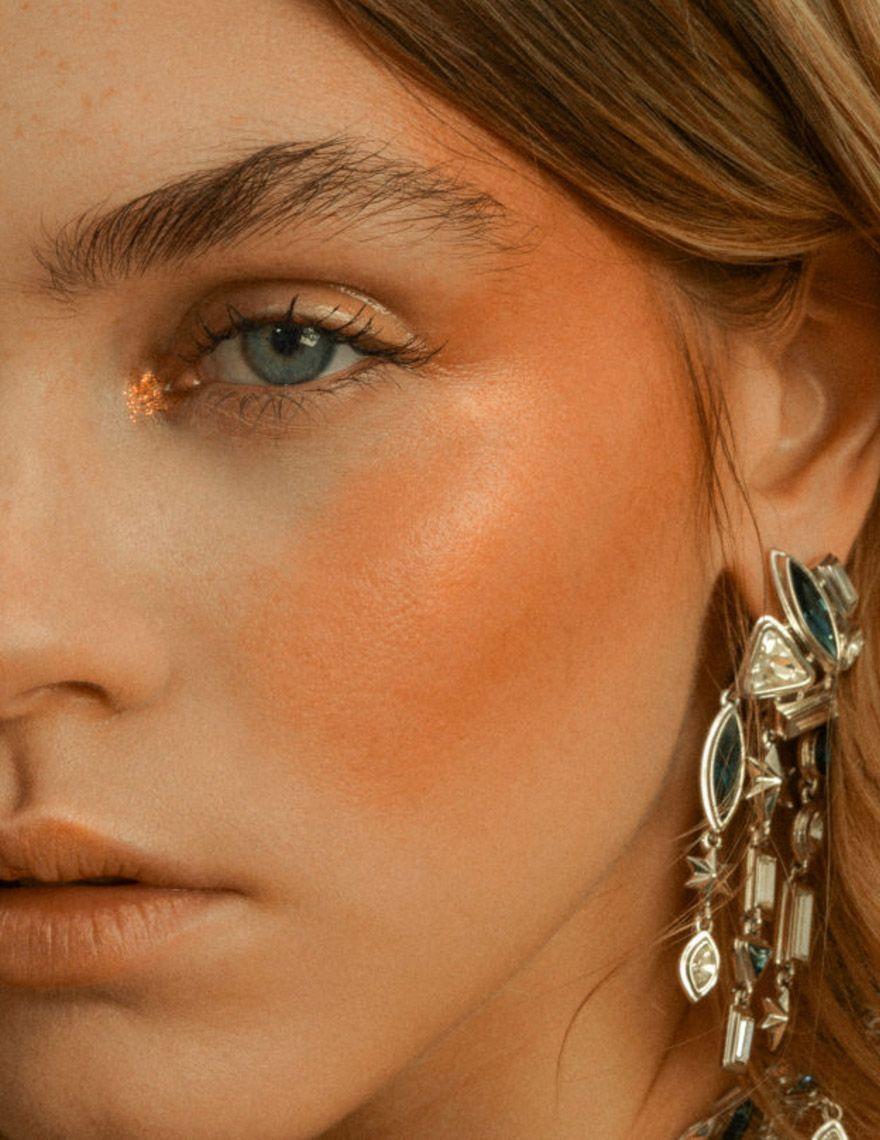 Sara Hill — gloss cheek Uk makeup, Makeup artist website