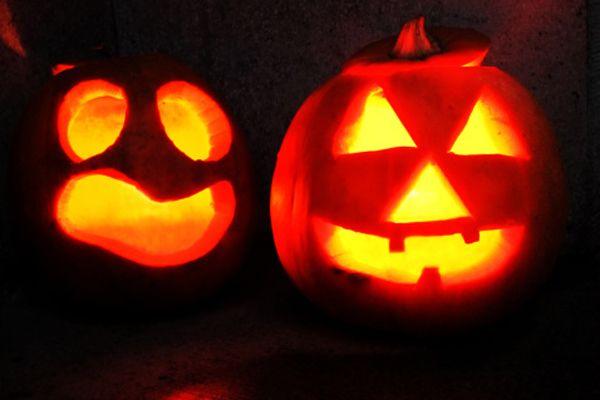 11 Fall Date Ideas That Beat Watching a Movie Carving pumpkins - romantic halloween ideas