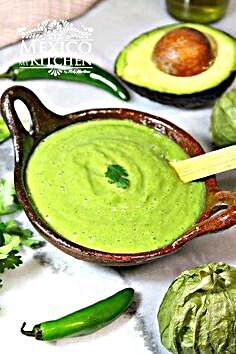 Green salsa with avocado