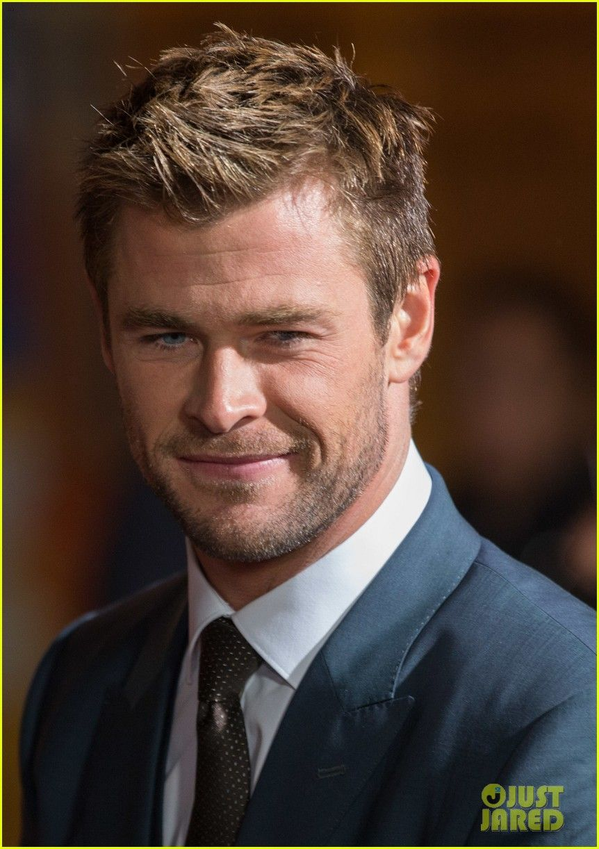 Chris Hemsworth Shows Off Short Hair At Blackhat Premiere