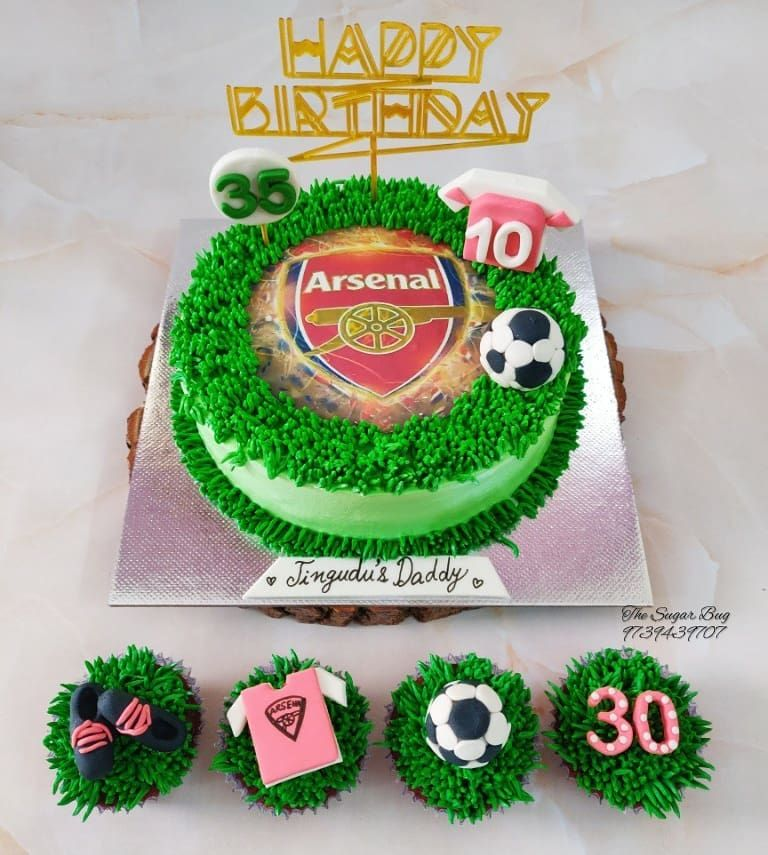 Arsenal⚽ Caramel cake & Red velvet cupcakes ❤️ . . . Orders and enquiries 📞 9739439707 . . .