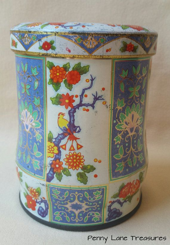 Vintage Tin ~ Candy Tin ~ Canister ~ England ~ 1970's ~ Cottage Chic ~ Biscuit, Cookie Can ~ Retro KitchenWare ~ Shabby Office Decor