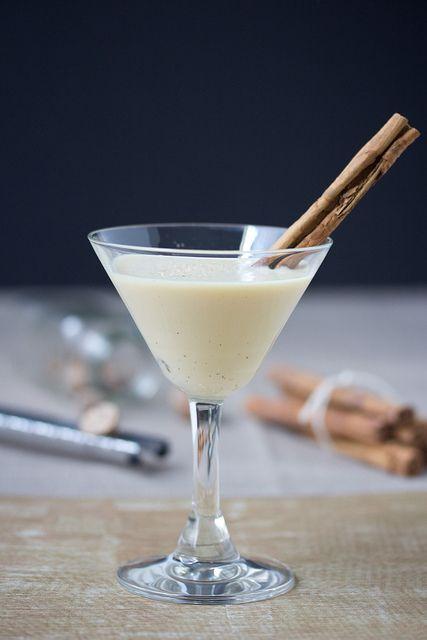 Cinnamon Bun Eggnog Martini