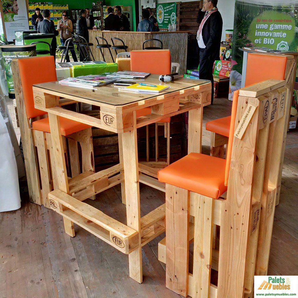 Mesa y sillas con palet muebles hechos de palets for Muebles hechos con paletas de madera