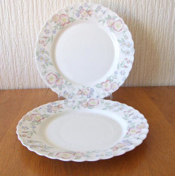 Piatti In Arcopal.Vintage Arcopal Champetre Pink Flowers Salad Plates Set Of