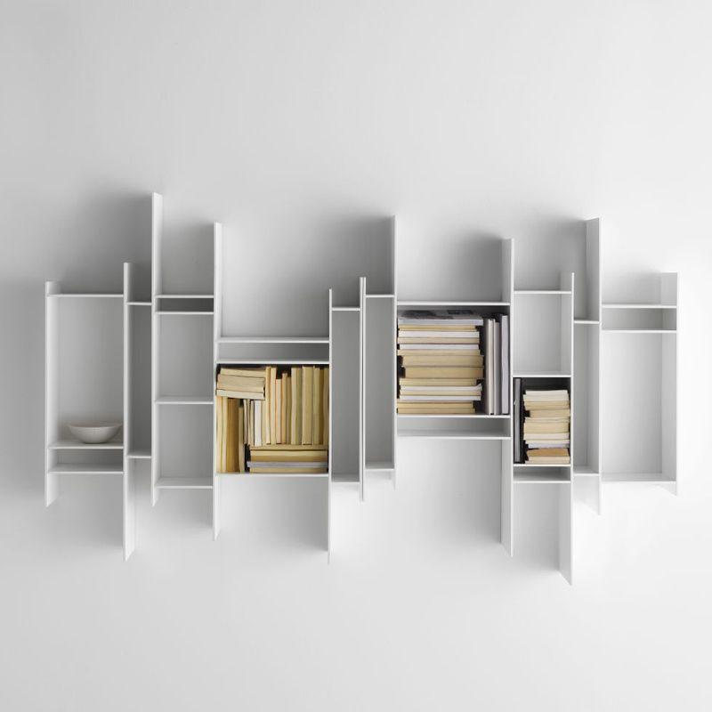 randomito biblioth que suspendue cr e par le groupe. Black Bedroom Furniture Sets. Home Design Ideas