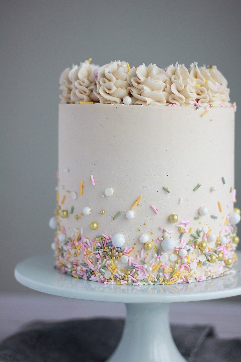 White Cake With Vanilla Buttercream Baking With Blondie Recipe Cake Blondie Dessert Savoury Cake