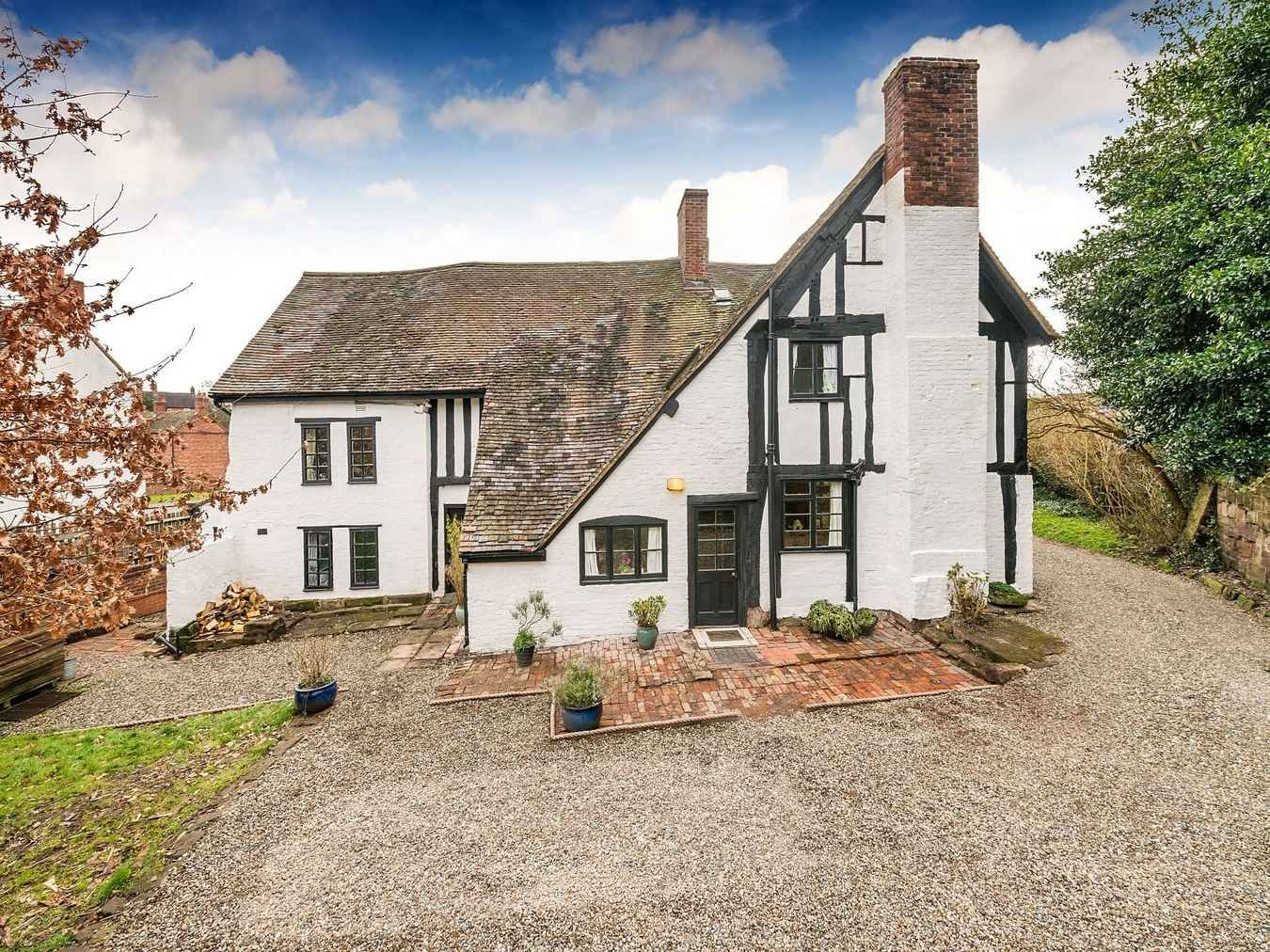 14th Century   Shropshire, England   $822,520   Old House Dreams