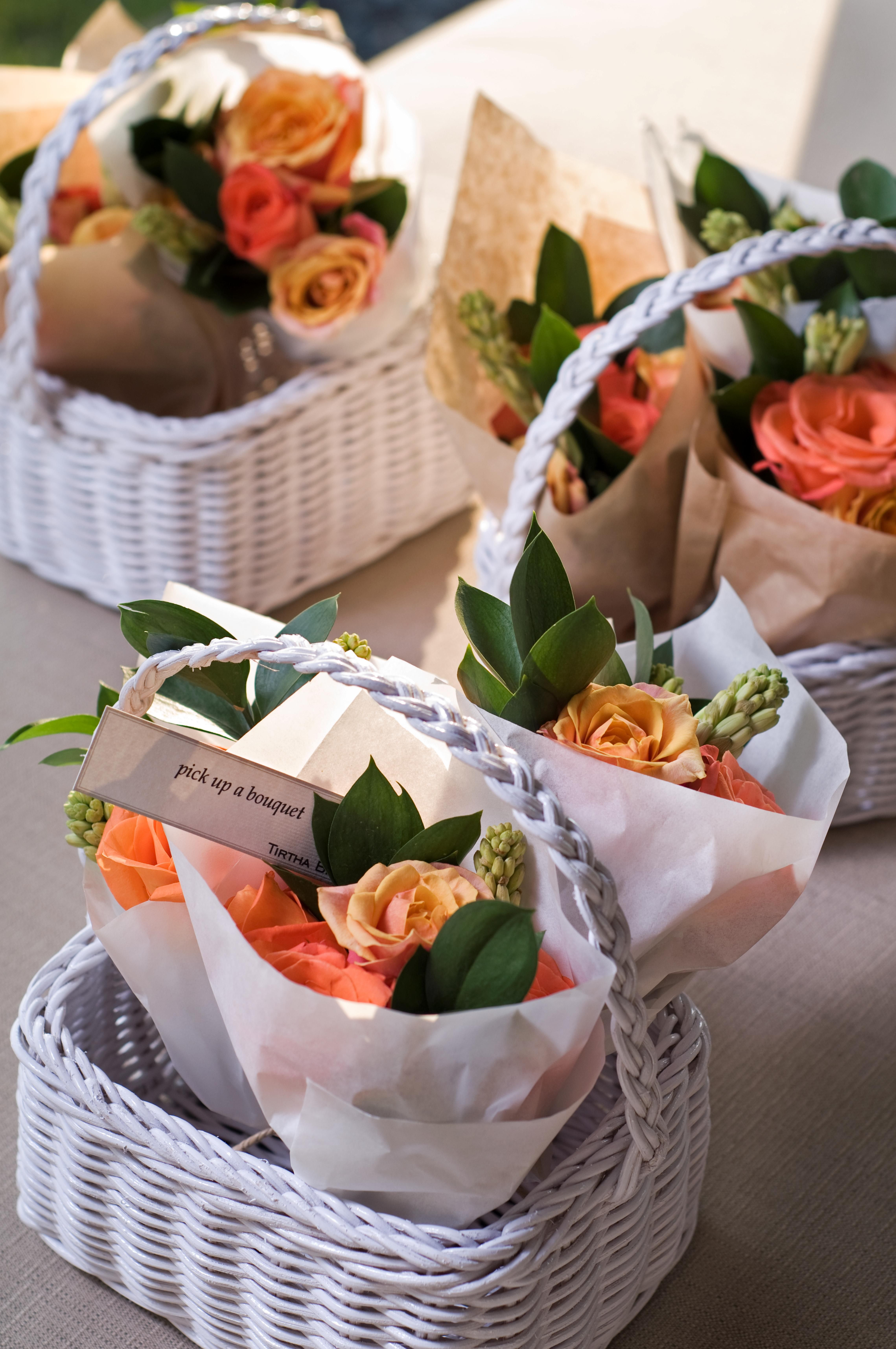 Show your love to your guests with these little bouquets, packed in tiny baskets. #wedding #tirthabridal #tirtha #bridal #bali #favors #basket #bouquet #flower