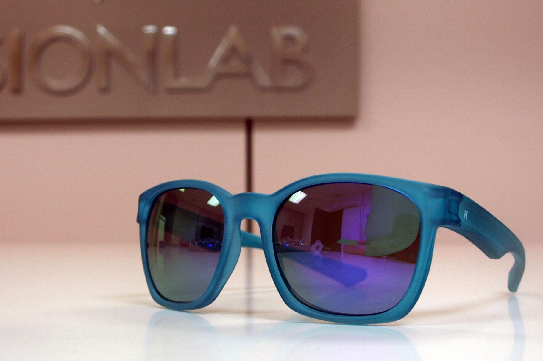 Gafas de sol Hevian color turquesa http://www.visionlab.es ...