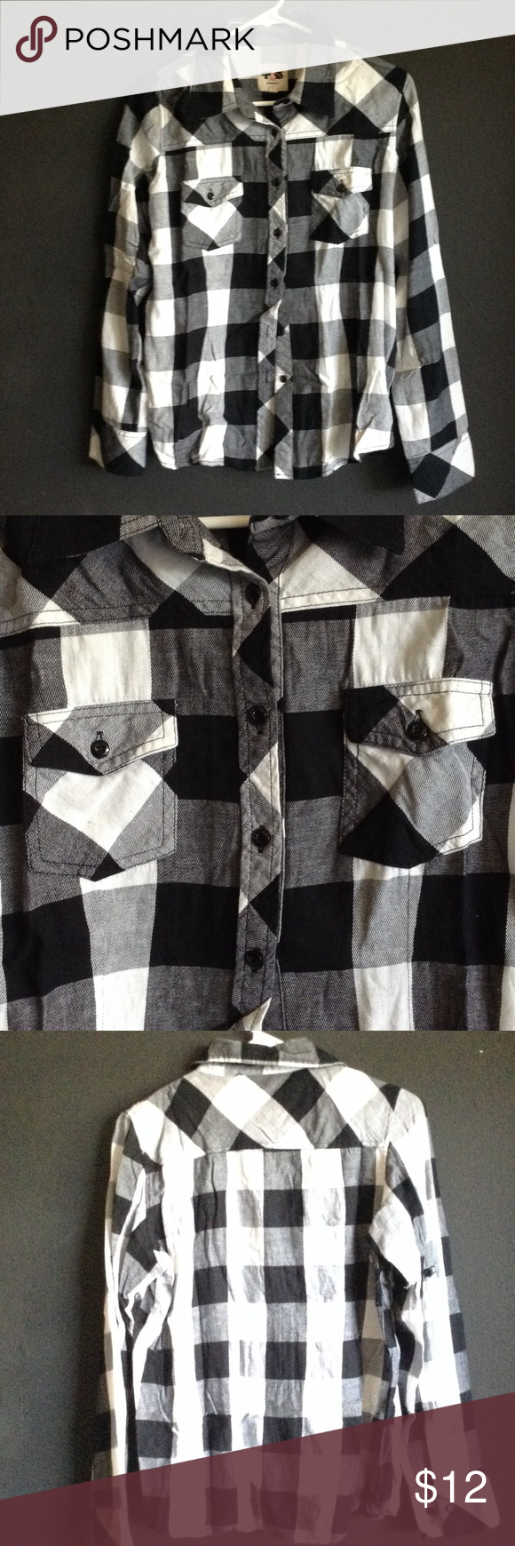 Black and white plaid shirt Gently used black and white plaid shirt Tops Button Down Shirts