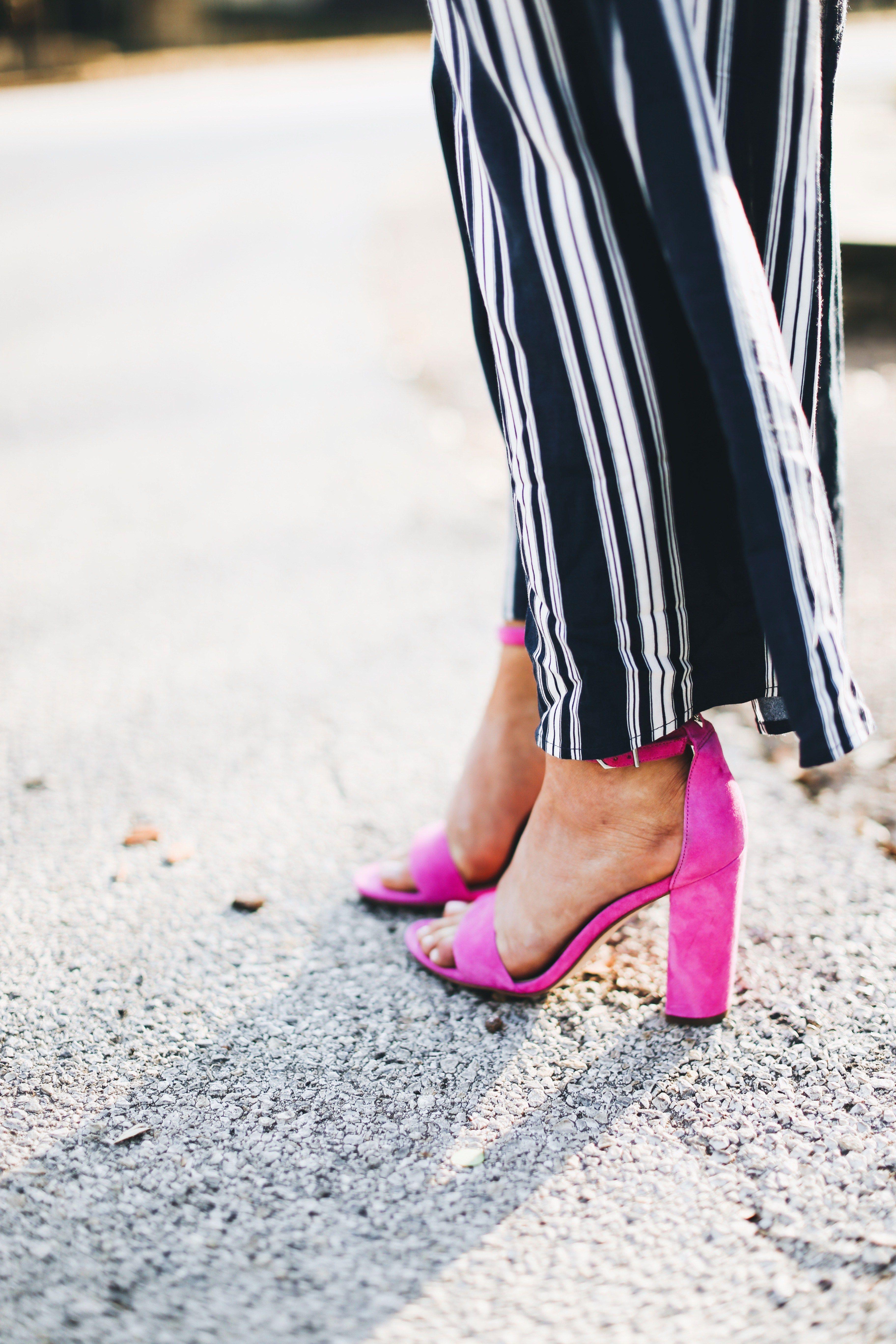 Navy stripe jumpsuit + pink heels   Hot