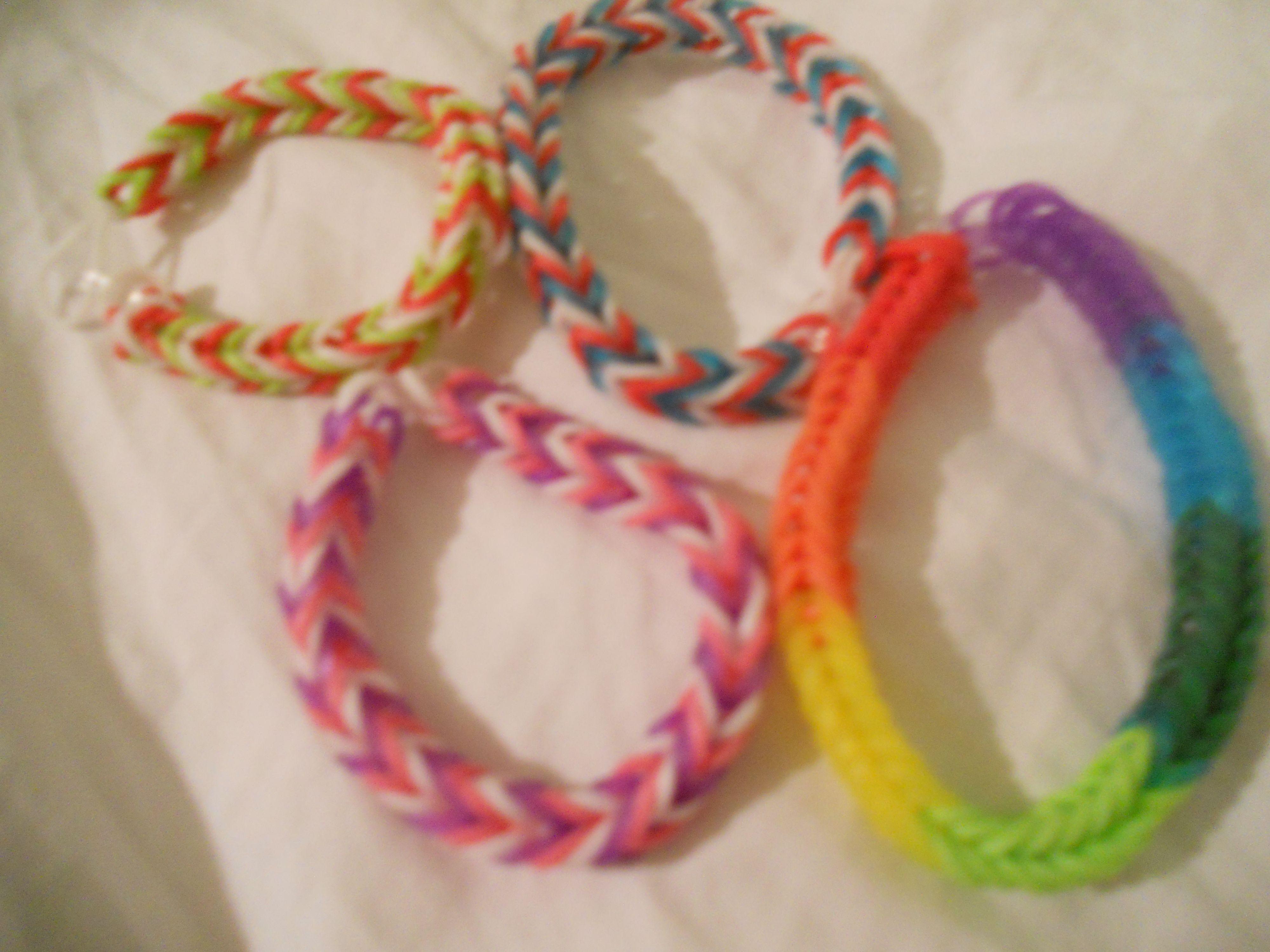 Fishtail pattern Rainbow Loom bracelets sarahvrichard@hotmail.com