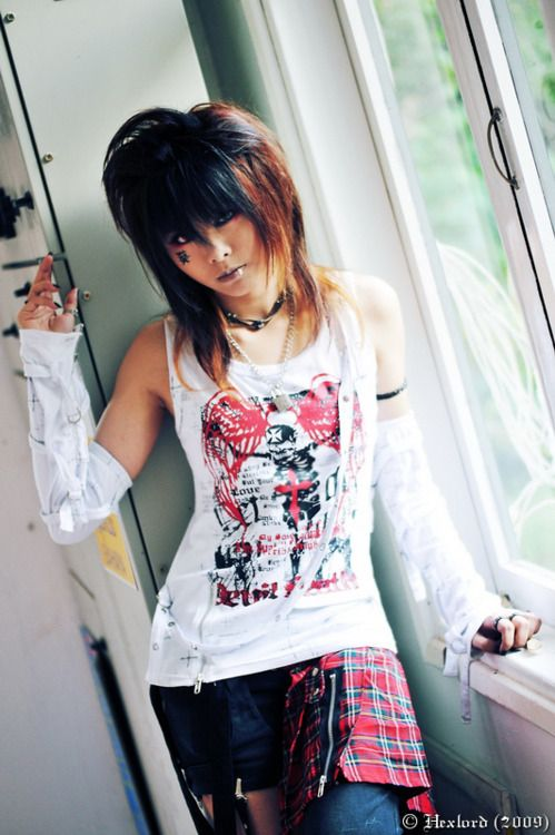 visual kei naked girl