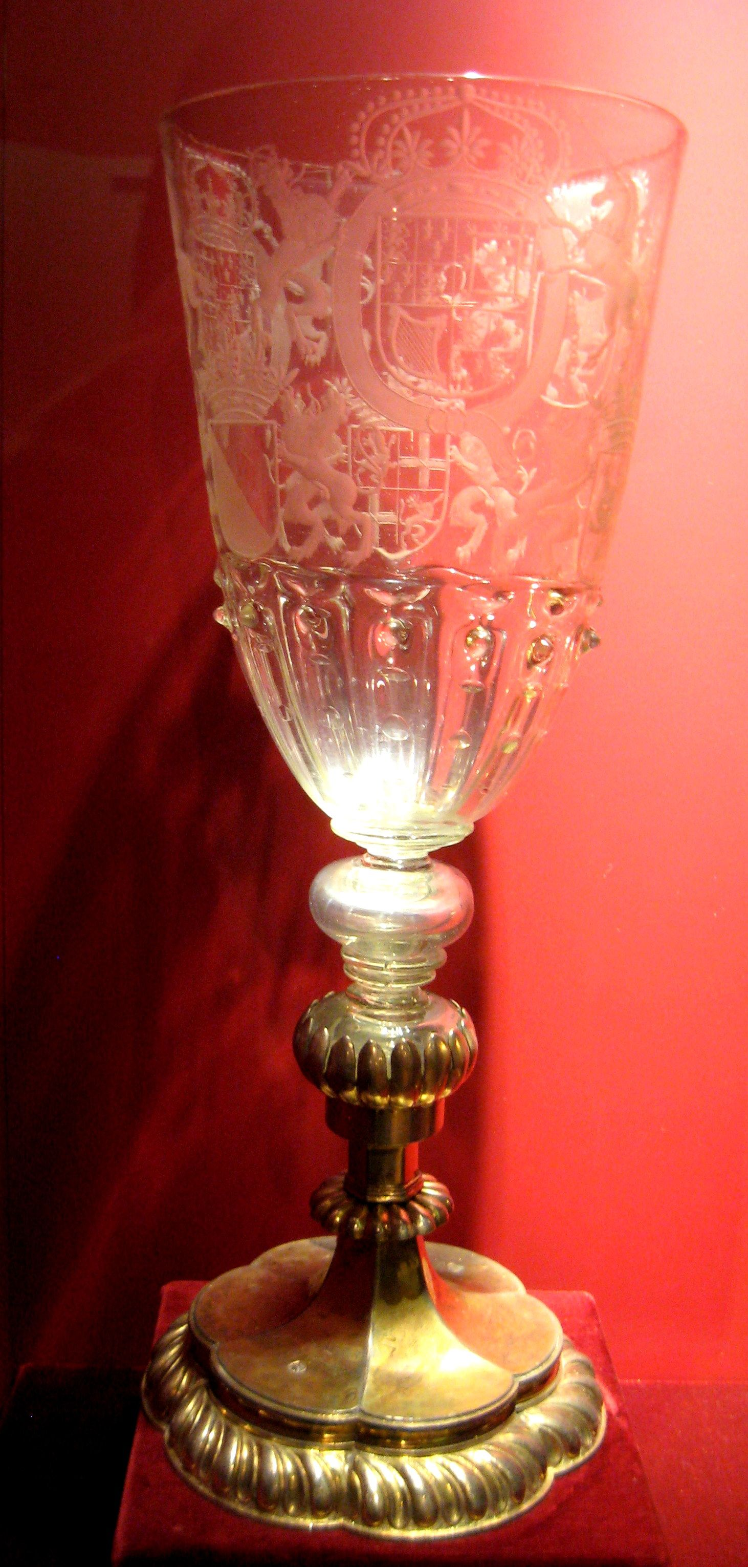 1689 English Goblet At The Royal Ontario Museum Toronto From The Curators Comments Engraved Glass Was Highly Valued In The Renaissance Antiek Geschiedenis