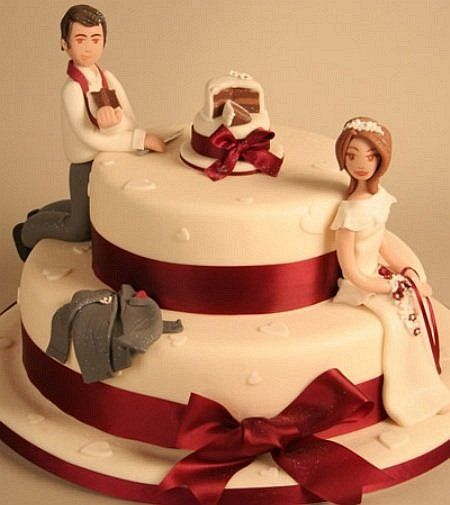 Funny Wedding Cakes Are A Genre Of Designed To Make Your Guests Laugh While Less Common Than More Traditional