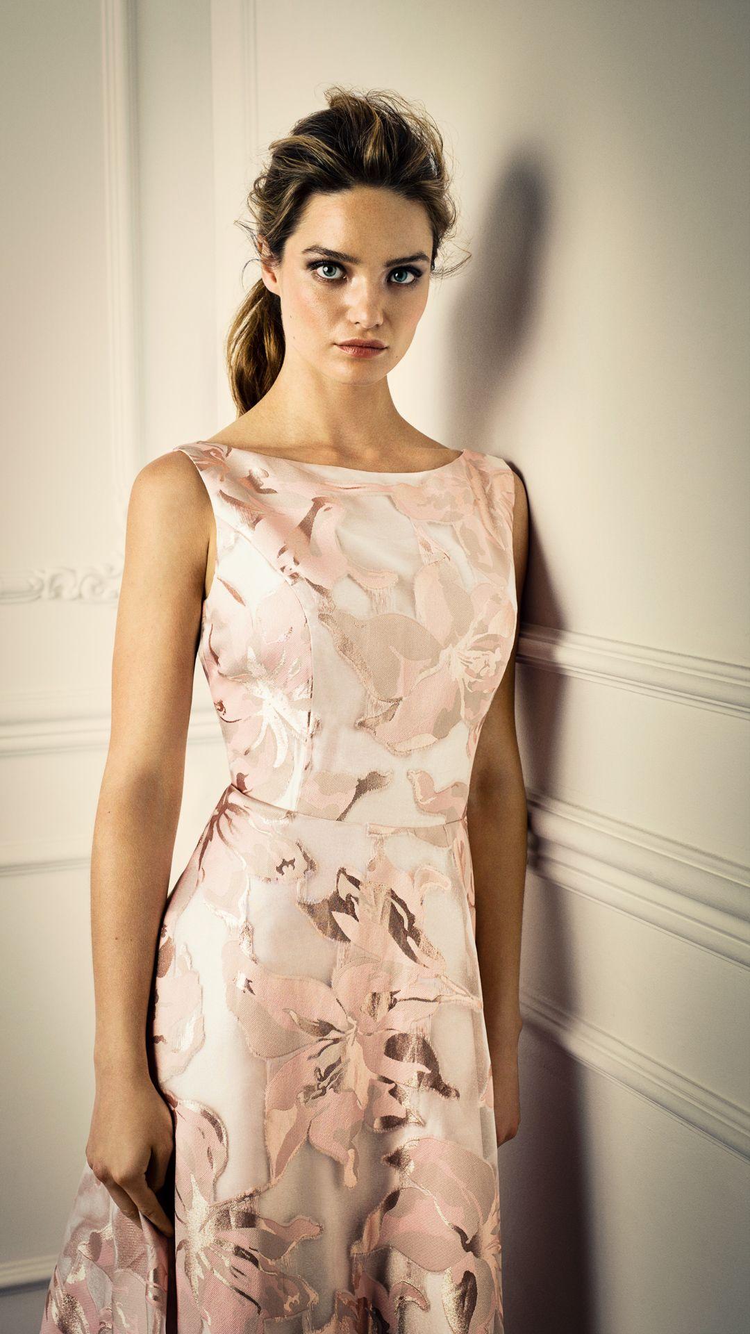 Abendkleid Fur Hochzeitsgaste Brautmutter Oder Trauzeugin Vera Mont Herbst Winter Kollektion 2019 2020 Jetzt Bei Bos Traumkleider Modestil Elegante Kleider