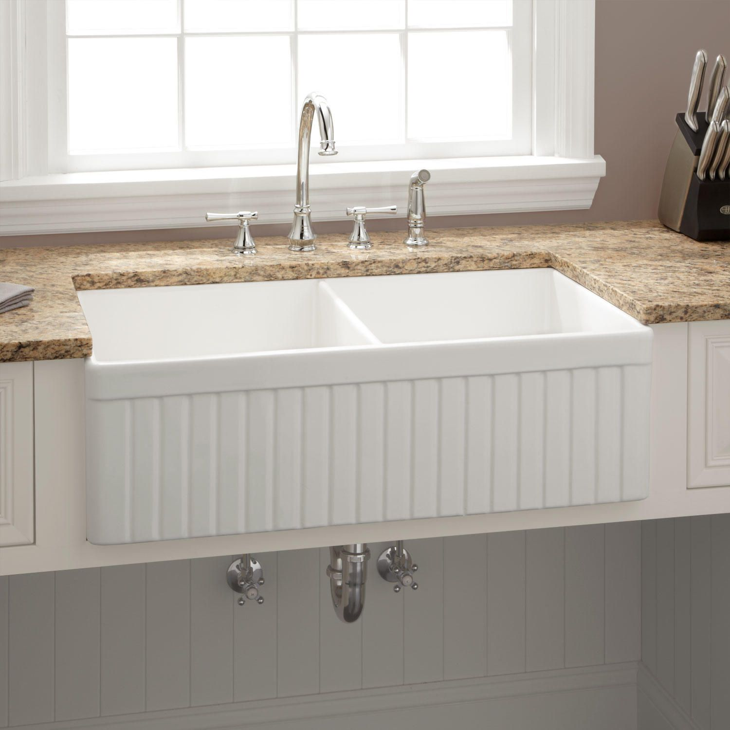 33 Northing Double Bowl Fireclay Farmhouse Sink White