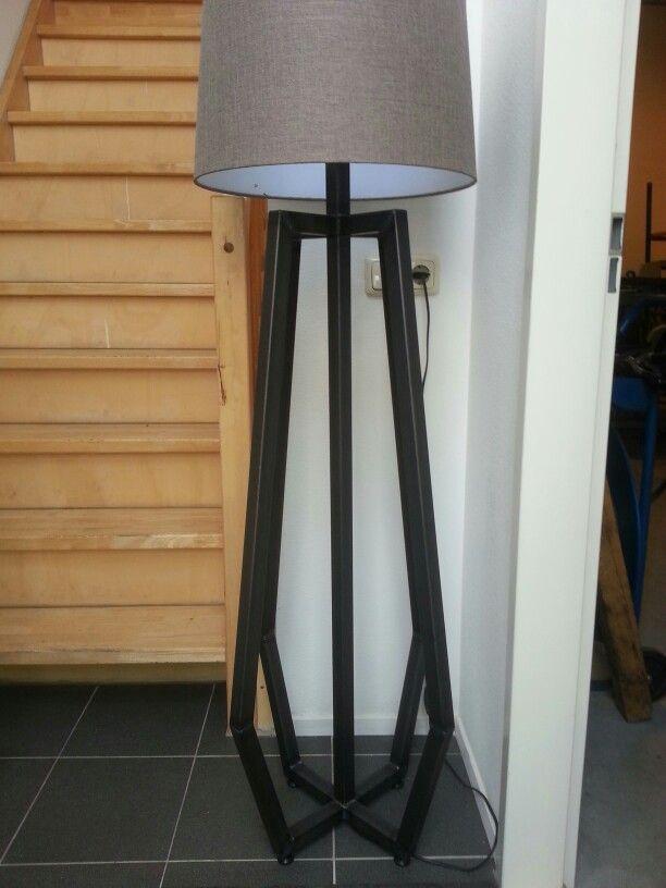 Industriële lamp van metaal. Behandeld met bijenwas Www ...