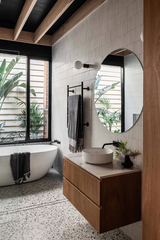 Pin By Aafreen N On Bathroom In 2020 Bathroom Interior Bathrooms Remodel Bathroom Interior Design