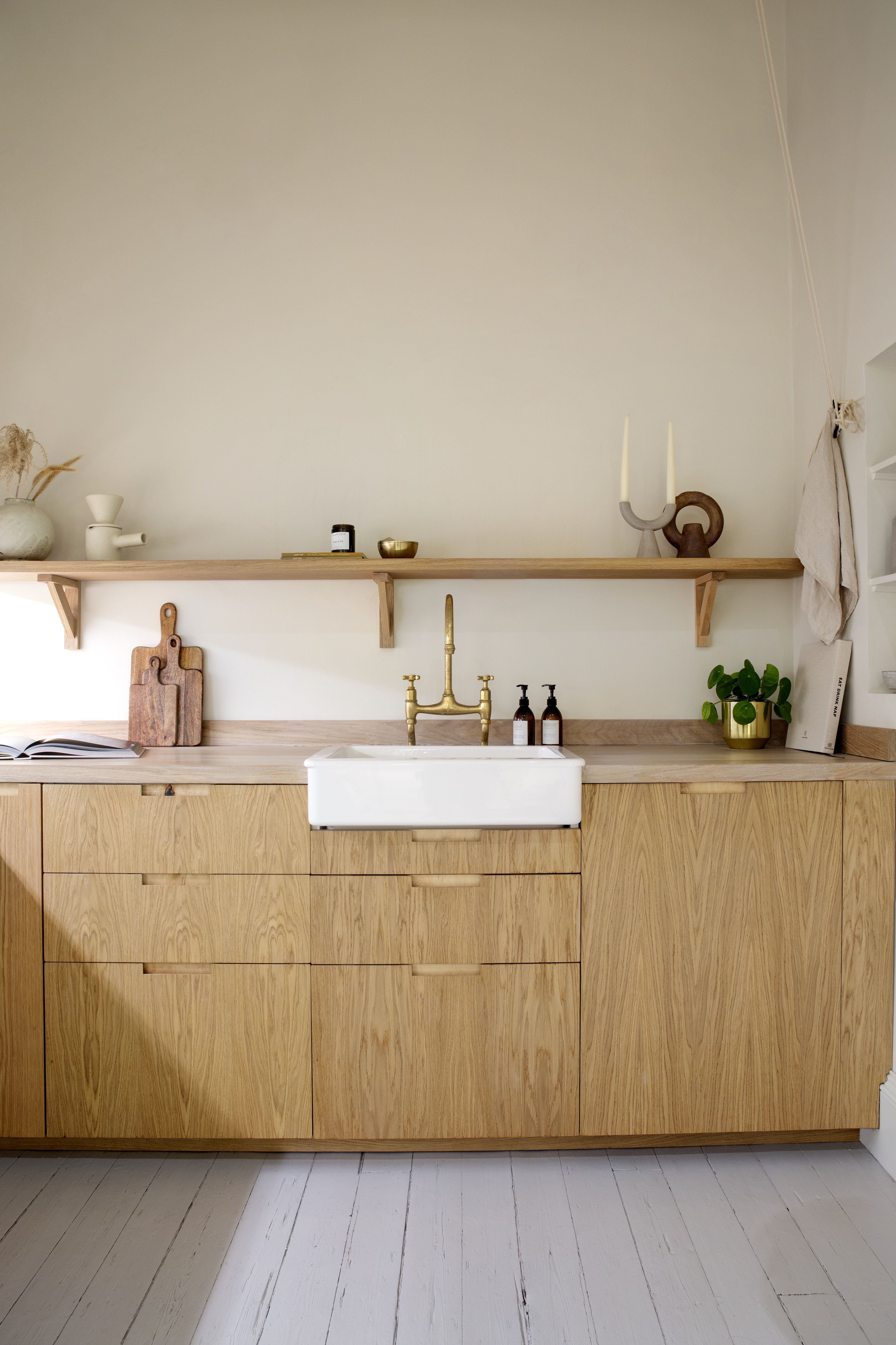 Natural Oak Wood Kitchen, England, by Custom Fronts. Built