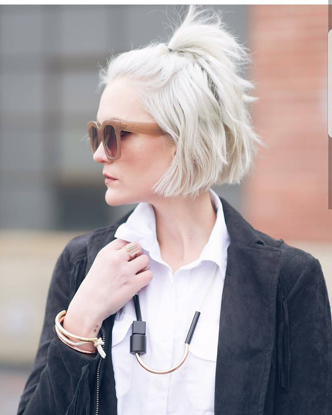 Are you fillowing this amazing stylist blogger slash everything