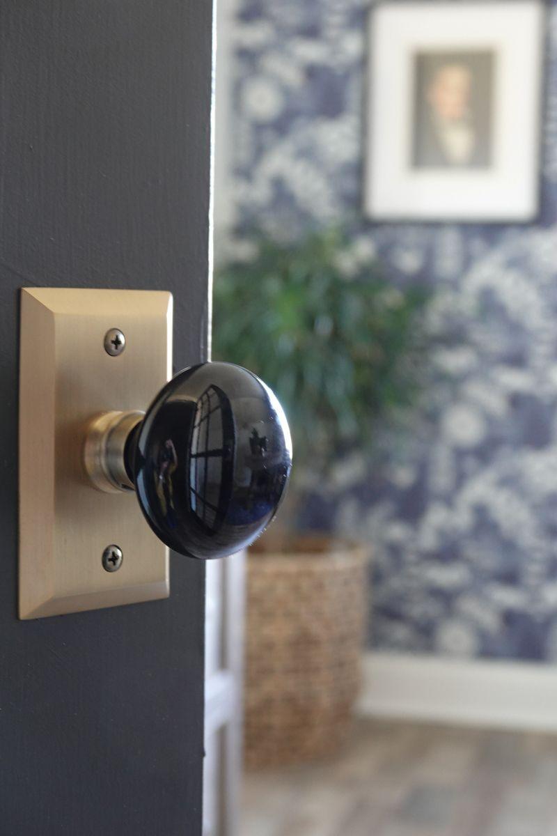 Top Door Hardware Trends Of 2020 Doorknobs Hardwarejewelry Homedecor Doorknobsideas Doork In 2020 Craftsman Home Interiors Romantic Home Decor Classic Home Decor