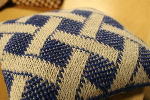Tunisian Knit Stitch In The Round : You Can Do It! Two-Color Tunisian Crochet In-the-Round Crochet, Tunisian cr...