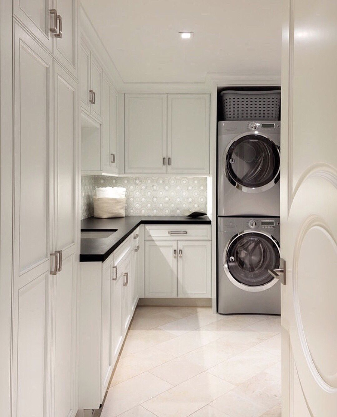52 Perfect Laundry Room Decor In Your Tiny House #laundryrooms