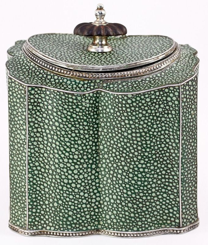 Shagreen tea caddy. I would kill for this to be a lamp base!
