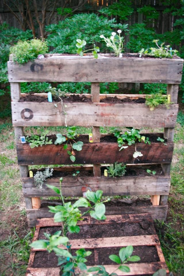 25 DIY Pallet Garden Projects Wooden Pallets Ideas for Bed