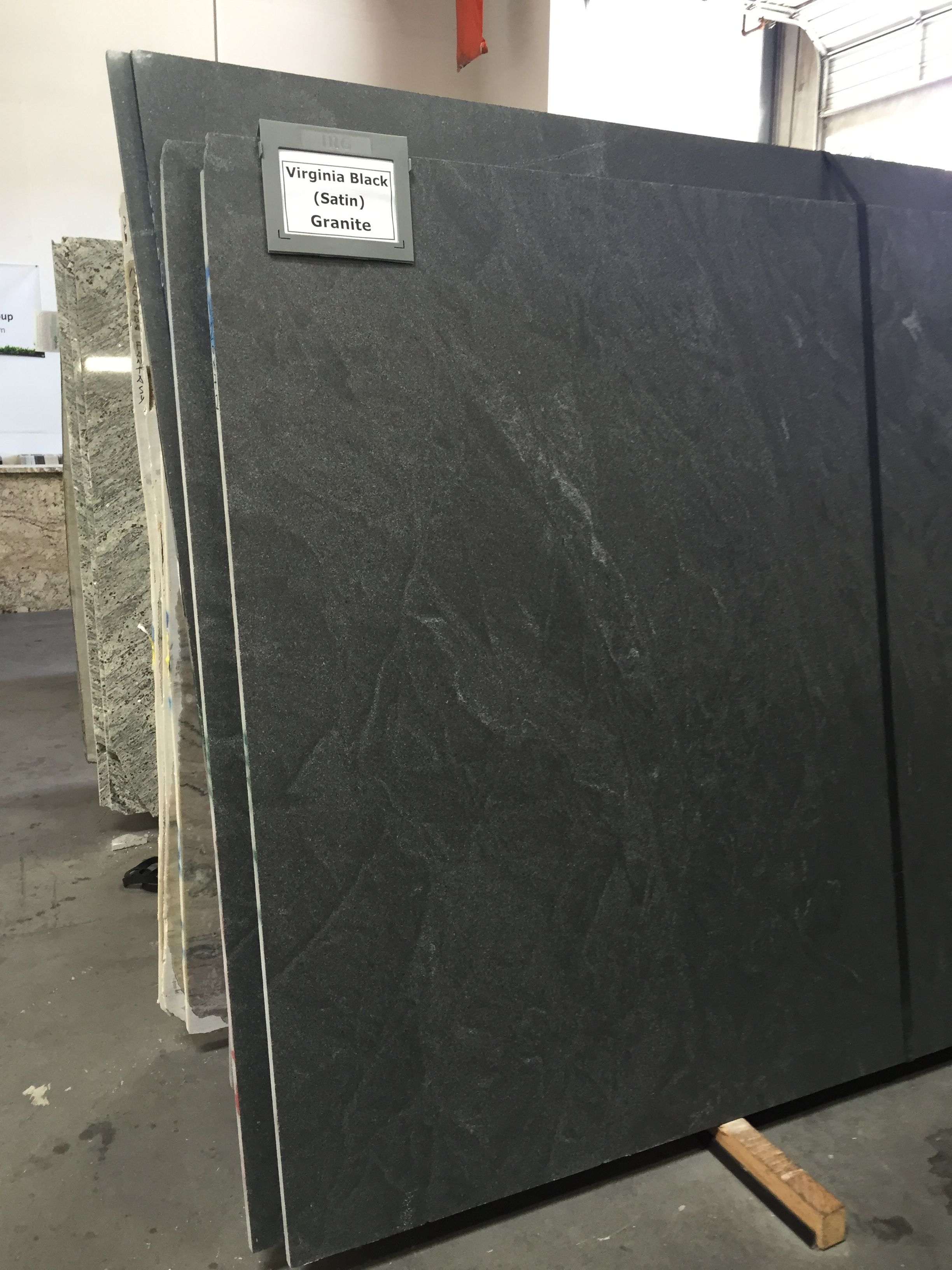 Granit Arbeitsplatte Virginia Black Virginia Black Granite In Satin Or Honed Finish Looks Similar To