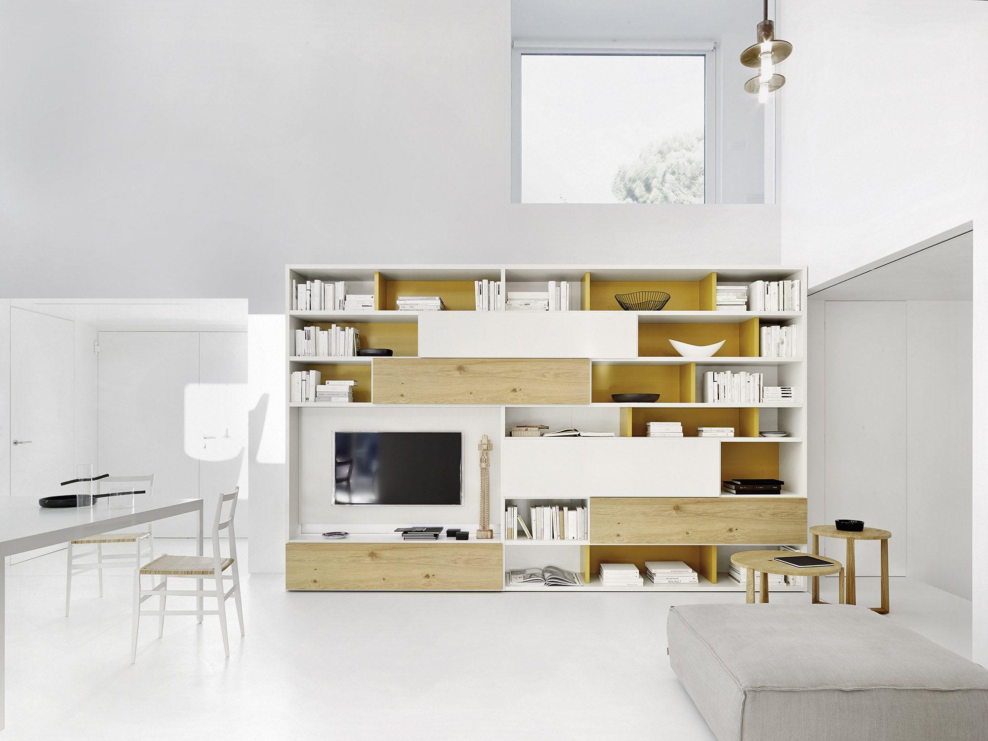 Wohnwand Hersteller moderne wohnwand lackiert und mit hellem eichen furnier dekoriert