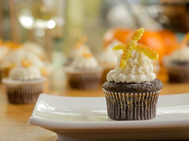 Chocolate orange cupcakes with duffs swiss meringue buttercream chocolate orange cupcakes with duffs swiss meringue buttercream buttercream recipeswiss meringue buttercreamorange cupcakesfood network forumfinder Image collections