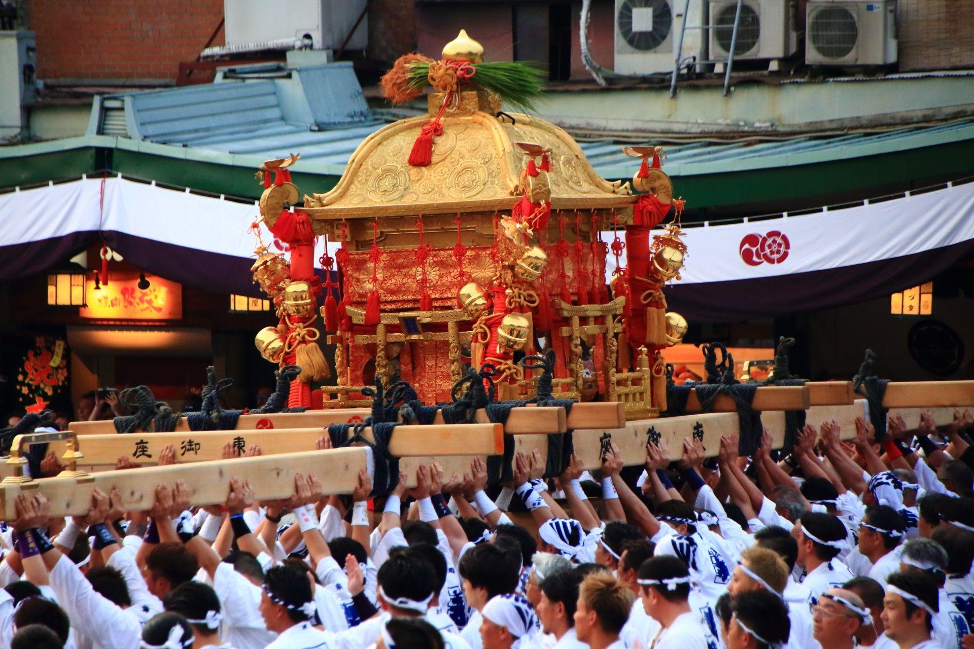 暑い夏の神幸祭とお神輿 平成最後の祇園祭 | 日本 祭り、祭、お神輿